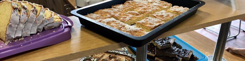 Erfolgreiche Cafeteria beim Flohmarkt im Gemeindehaus